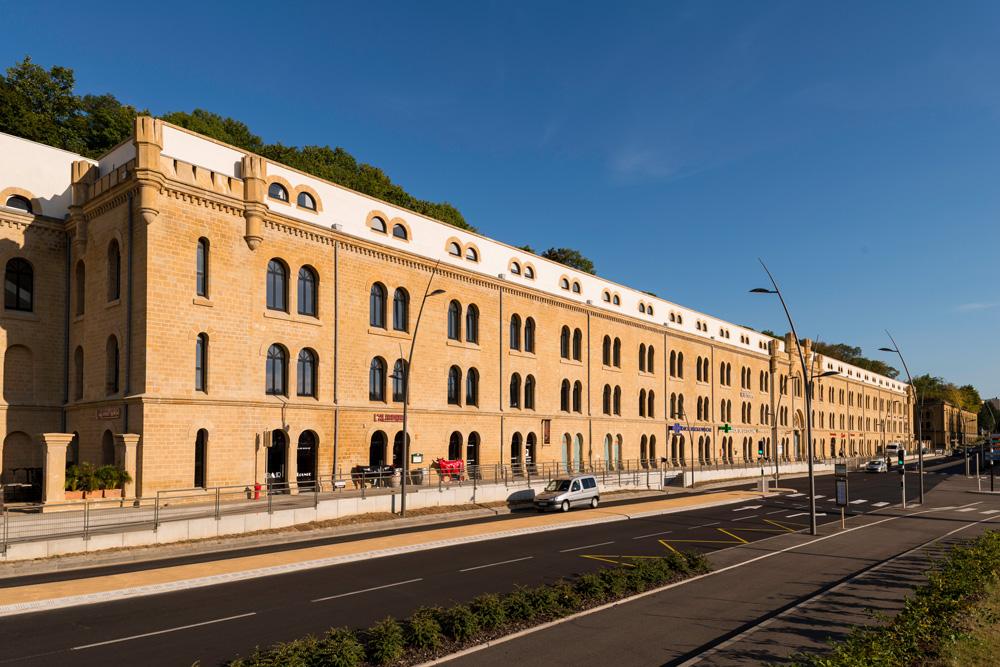 Bâtiments rénovés en Pierre de Jaumont Boulevard de Trèves